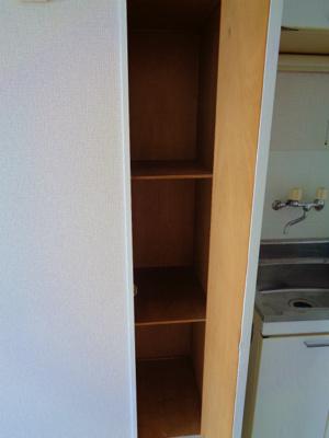 キッチン横 収納