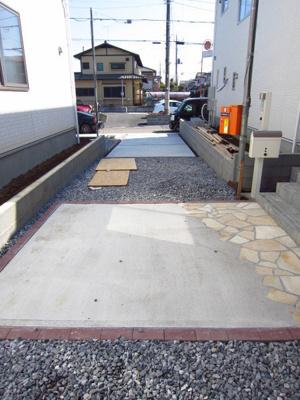 【駐車場】牛久市刈谷町 第4 2号棟 クワイエ地震の揺れを吸収する家