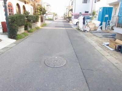 【前面道路含む現地写真】阿見町うずら野4LDK・インナーバルコニー・全居室6帖以上!