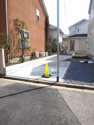 【駐車場】つくば市小野川 第5 2号棟クワイエ地震の揺れを吸収する家