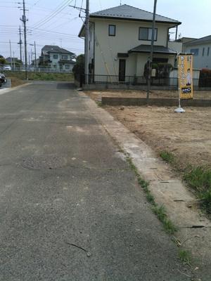 【前面道路含む現地写真】龍ケ崎市中根台1期2号棟 ケイアイフィット建物地盤保障の家