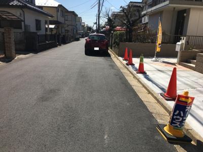 前面道路6m!(^^)!車の出し入れが便利♪毎日の事だから大助かり!(^^)!