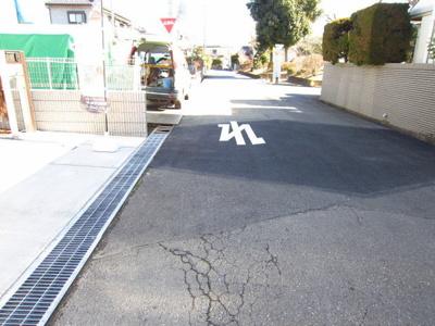 前面道路6m!(^^)!車の出し入れが便利♪毎日の事だから大助かり!(^^)!安心ですよ♪