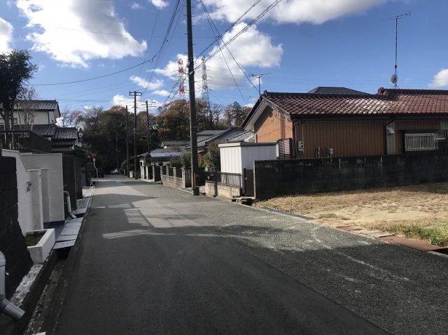 【前面道路含む現地写真】東田町金子平 売土地