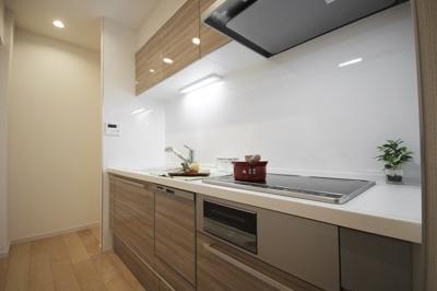 【キッチン】清新中央ハイツ6号棟 13階 角 部屋 リ ノベーション済