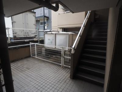 【ロビー】ロイヤルメゾン魚崎2