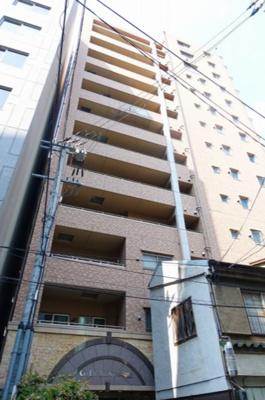 天神橋筋商店街に面したマンションです。買い物や飲食店には困りません。