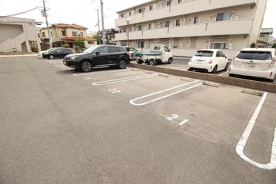 【駐車場】レフィナードカルチェ D棟