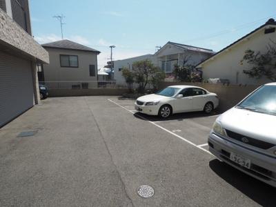 【駐車場】メゾンドバレー