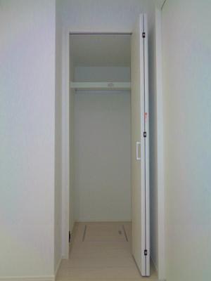 洋室3.5帖 クローゼット