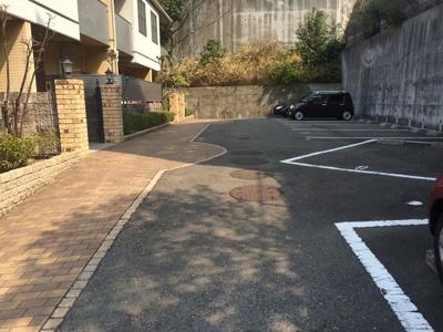 【駐車場】シャーメゾン夢野