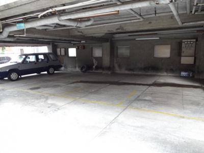 八巻駐車場