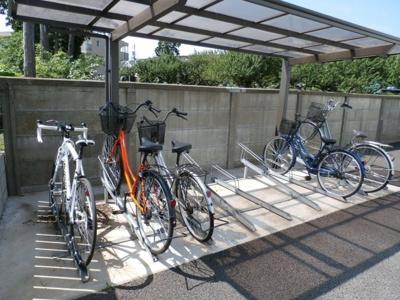 中村ハイツⅡの駐輪場