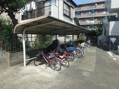 屋根付き駐輪場完備!バイク駐輪もご相談下さい!