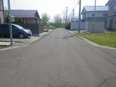 【前面道路含む現地写真】能代市落合字綱割・売地