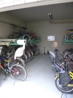 共用の駐輪場