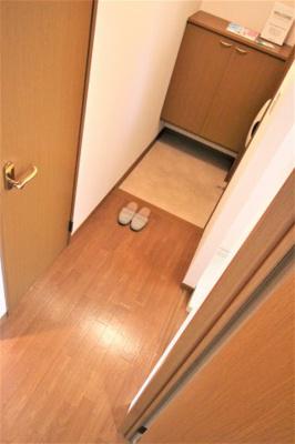 【玄関】ウィステリア B棟