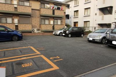 【駐車場】ウィステリア B棟