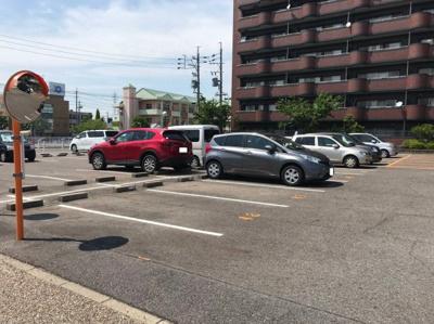 【駐車場】スリーエイト北町