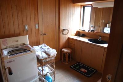 【独立洗面台】小原中古住宅8LDDKK+S+サンルーム