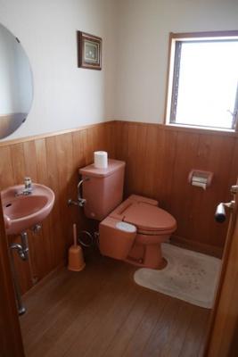 【トイレ】小原中古住宅8LDDKK+S+サンルーム
