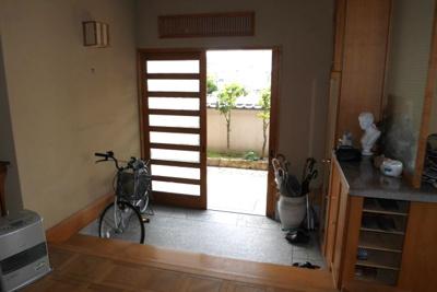 【玄関】小原中古住宅8LDDKK+S+サンルーム