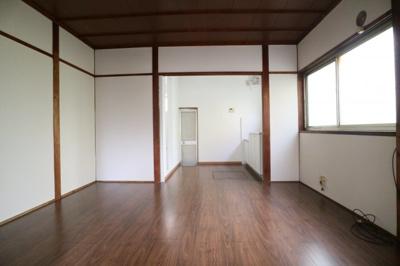 【居間・リビング】本町2丁目貸家