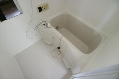 【浴室】本町2丁目貸家