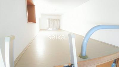 ロフト部分、就寝スペースや収納スペースとしてご利用いただけます