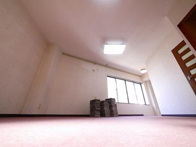 明るい室内です