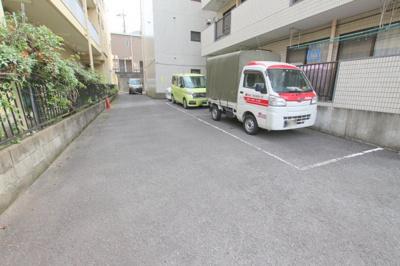 【駐車場】イモトハイツ