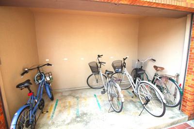 《自転車置き場》