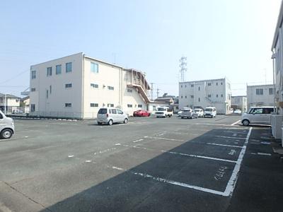 【駐車場】カワ清東山第3ビル