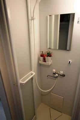 アジュール目黒の日々の暮らしに欠かせないシャワールームです