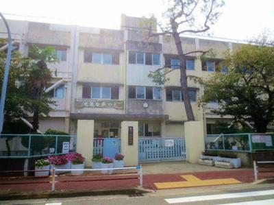 鳴尾中学校