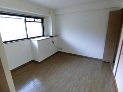 【寝室】ブリーズコート・イースト