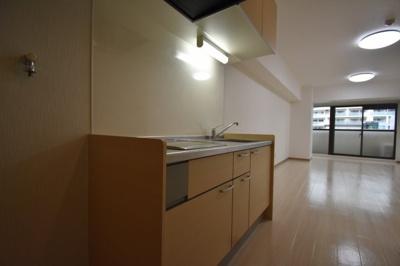 キッチン 広めのサイズです