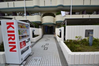 【エントランス】メゾン・ド・エミュウ