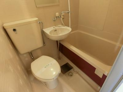【浴室】ホワイトシャトレー