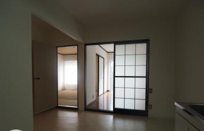 【居間・リビング】サンライズマンション