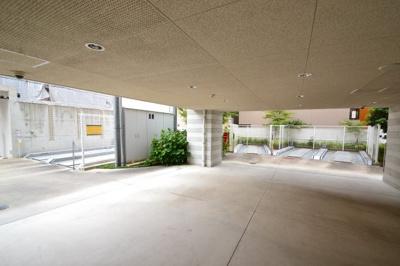 【駐車場】ワコーレ六甲道オービット2