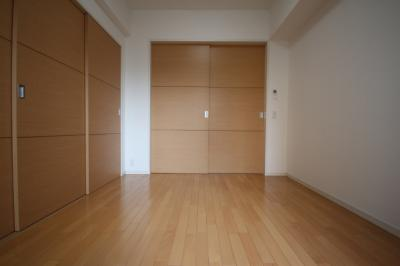 【寝室】ワコーレ六甲道オービット2