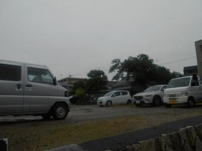 【外観】牧落駅前岸上駐車場