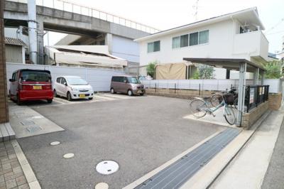 【駐車場】バルベリーニ