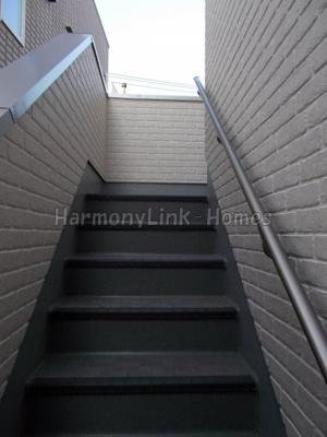 リヴィエール中野の階段☆