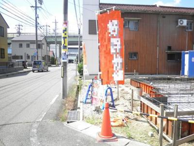6月13日撮影 前面道路を含む販売現地