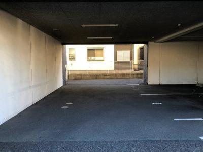 【駐車場】WAVE里