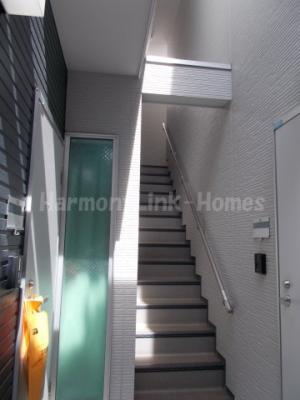 N-SQUERE B棟の階段☆