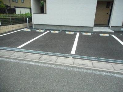 【駐車場】ノイハウスつきのわ