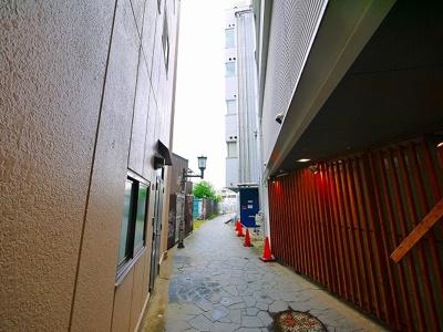 建物東側より